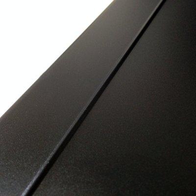 頑丈で放熱性の高いアルミ成形ケース、ファンレス仕様